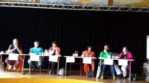 """En mitt-i-sommaren-valaktivitet. Deltar på HBTQ-debatt i Pajalas """"Kulturens Hus"""". Fick spontana applåder för ett inlägg."""